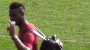 Balotelli Konflik Dengan Suporter Manchester United